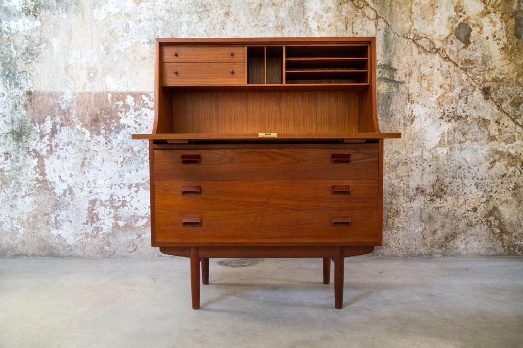 Scrittoio credenza danese vintage anni 60 8 7 design space for Arredamento stile anni 70