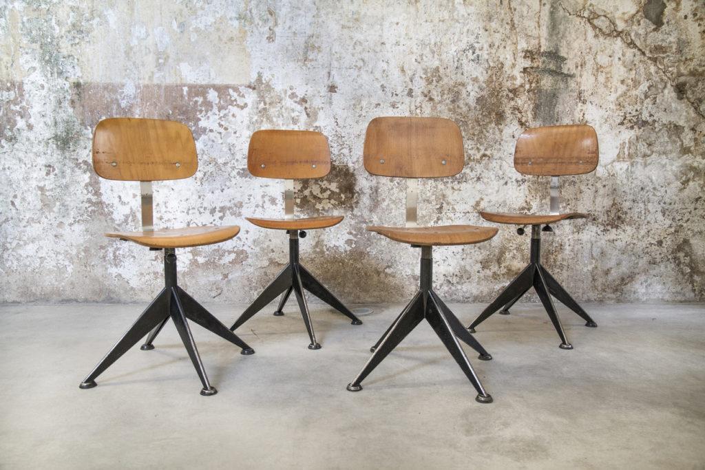 Sedie vintage in legno di velca legnano 8 7 design space for Sedie design vintage